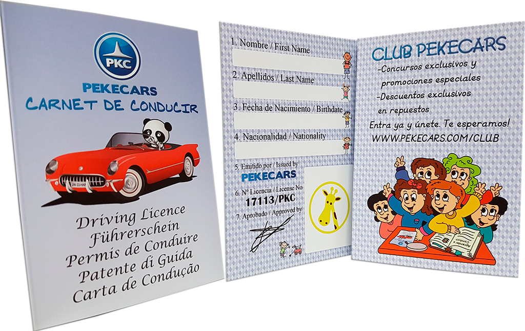 Carnet infantil Pekecars desplegado