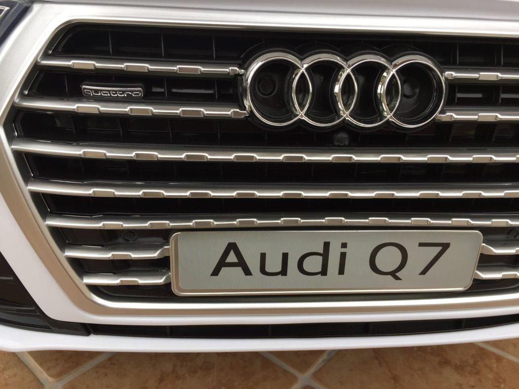 Coche electrico infantil Audi Q7 Facelift Blanco con licencia oficial