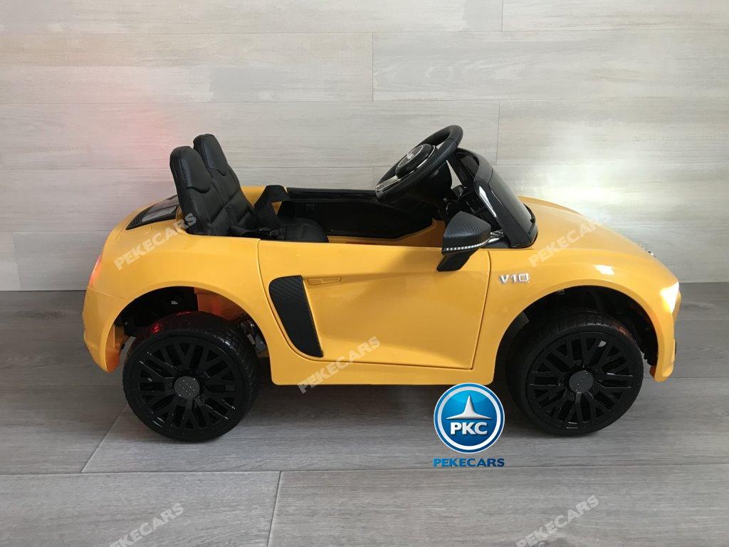 Coche electrico infantil Audi Little R8 Spyder Amarillo visto de lado