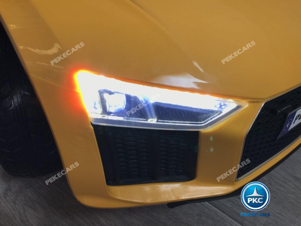 Coche electrico para niños Audi Little R8 Spyder Amarillo luces led delanteras