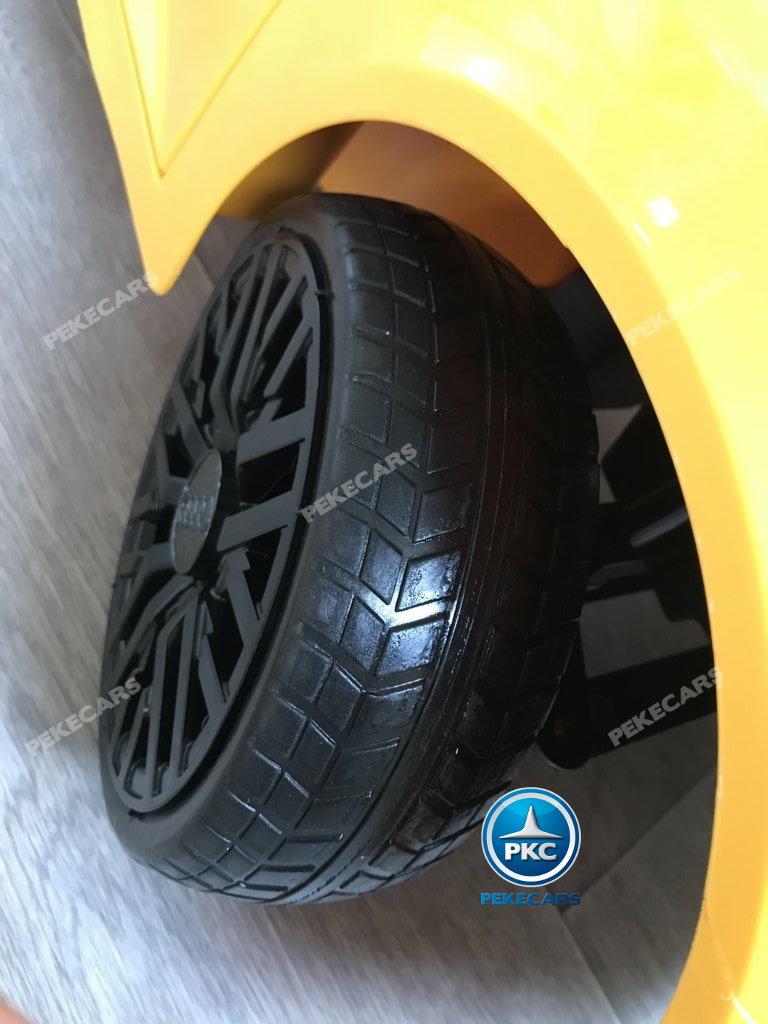 Coche electrico infantil Audi Little R8 Spyder Amarillo con ruedas de caucho antipinchazos
