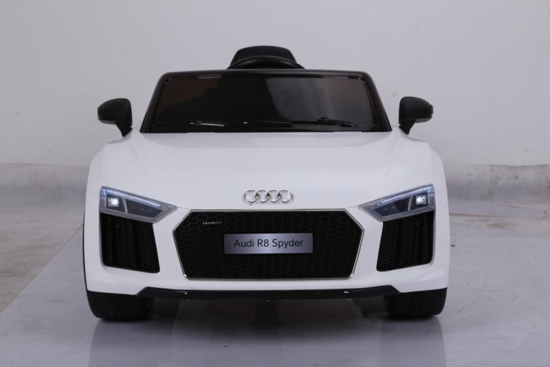 Coche electrico para niños Audi R8 Spyder Blanco con ruedas de caucho antipinchazos
