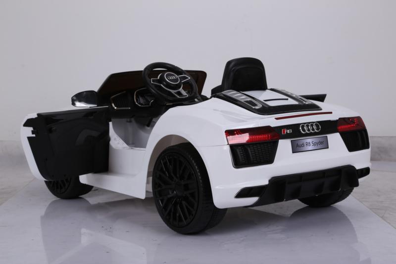 Coche electrico infantil Audi R8 Spyder Blanco apertura de puertas