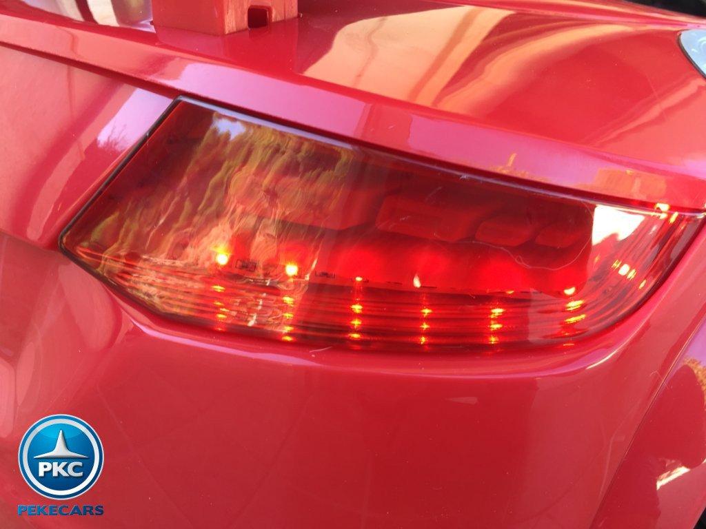 Coche electrico infantil Audi TT Rojo con luces traseras