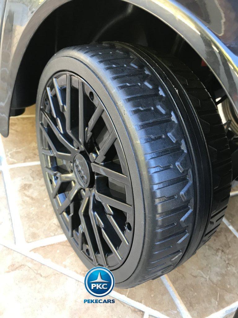 Coche electrico infantil Audi R8 Spyder Negro con ruedas de caucho