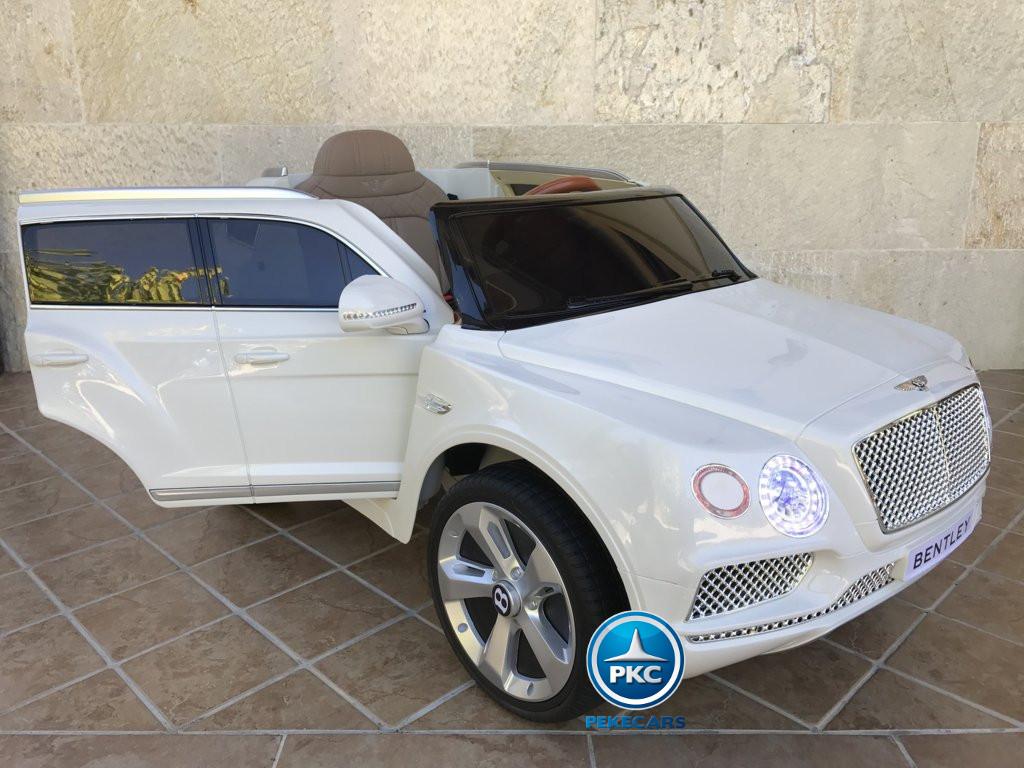 Coche electrico infantil Bentley Bentayga Blanco con apertura de puertas
