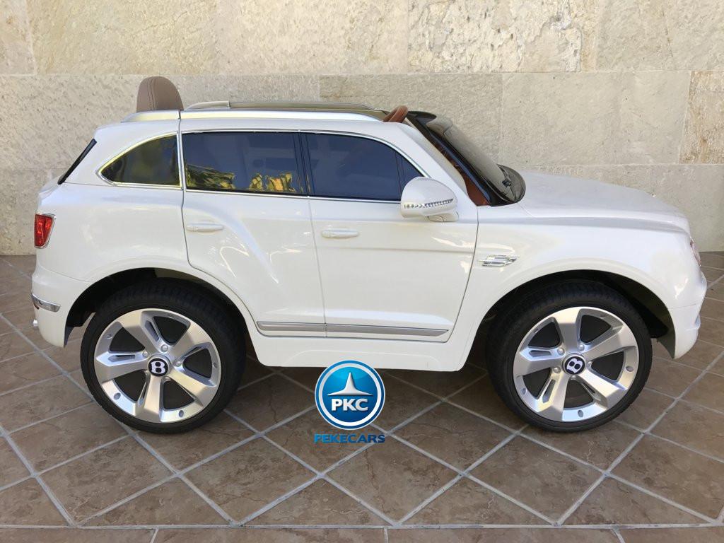 Coche electrico para niños Bentley Bentayga Blanco vista lateral