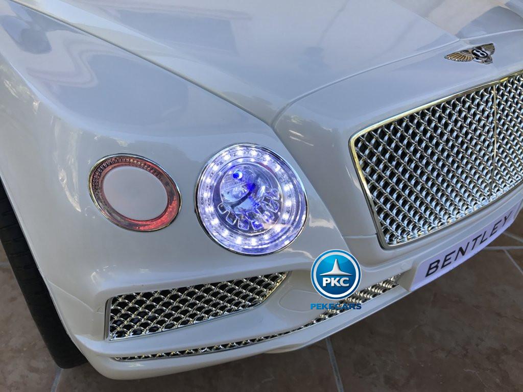 Coche electrico para niños Bentley Bentayga Blanco luces LED delanteras