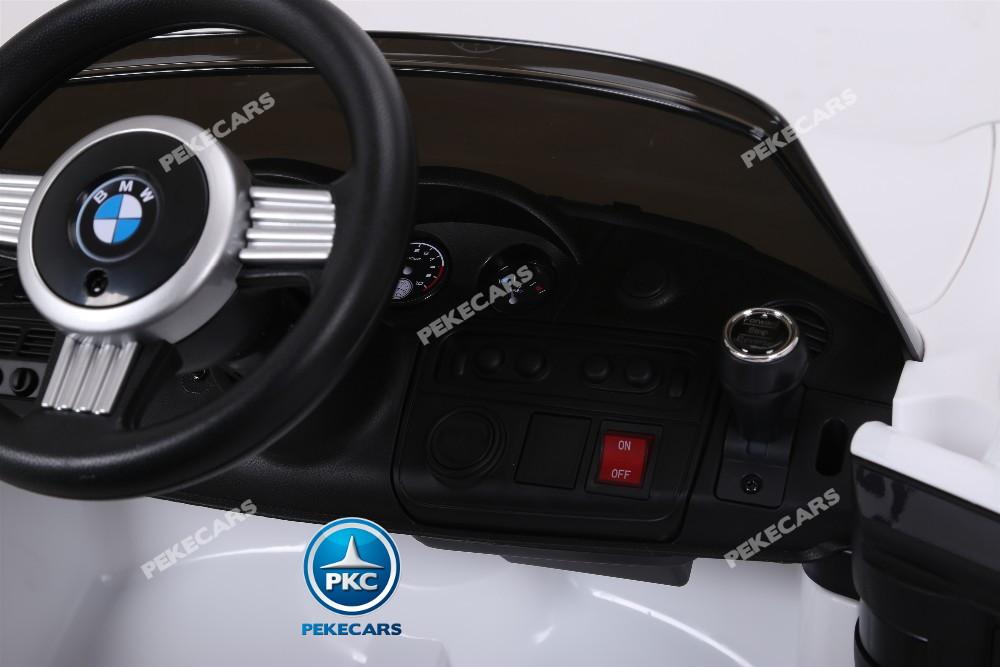 Coche eléctrico para niños BMW Z8 12V Blanco detalles del interio