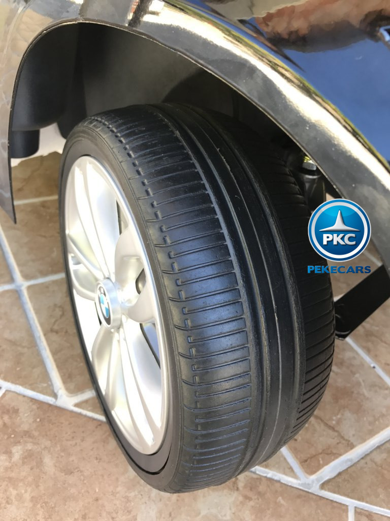 Coche electrico infantil BMW X6 Negro Metalizado con ruedas de caucho antipinchazos