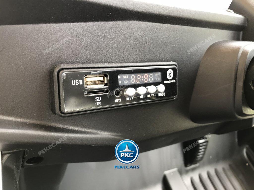 Coche electrico para niños Buggy UTV Blanco salpicadero con conexion MP3 y USB