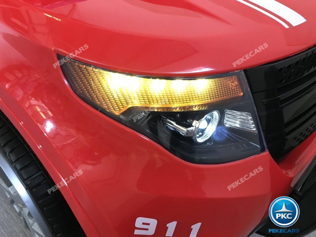 Coche electrico para niños jefe de bomberos 12V rojo con luces delanteras