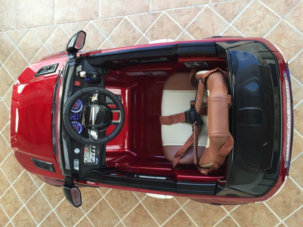 Coche electrico para niños evoque style rojo metalizado vista del interior