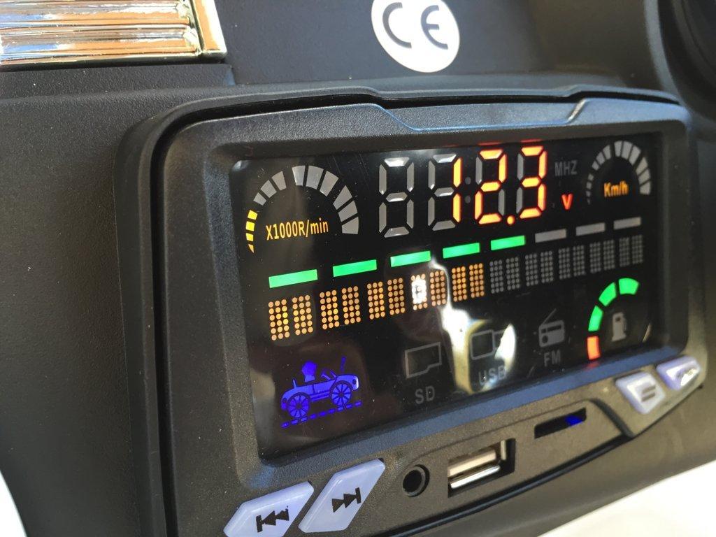 Coche electrico infantil evoque style blanco dashboard con conexion USB