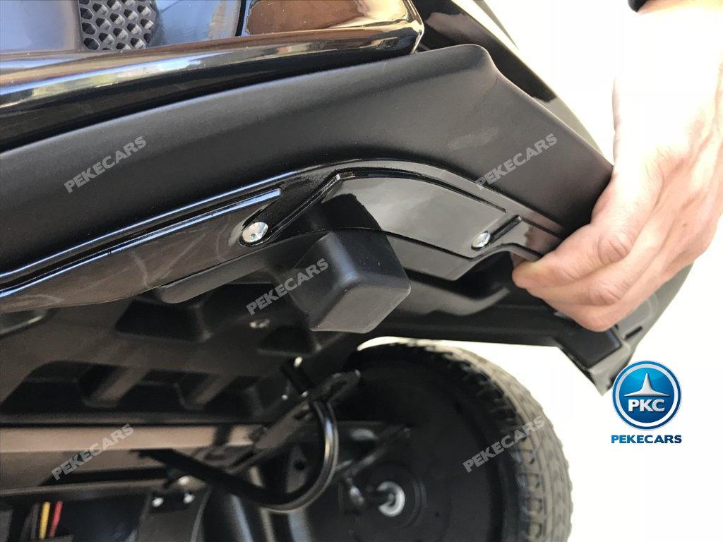 Coche electrico para niños Ford Focus RS Negro asa de transporte