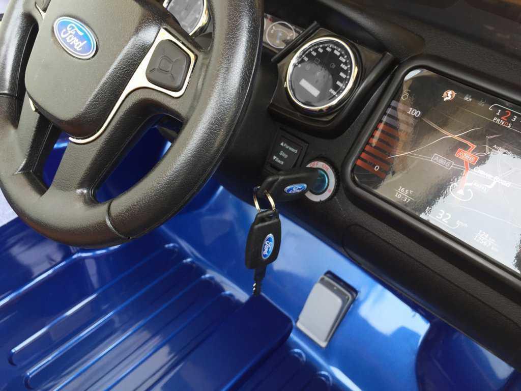 Todoterreno electrico infantil Ford Ranger Azul Metalizado salpicadero