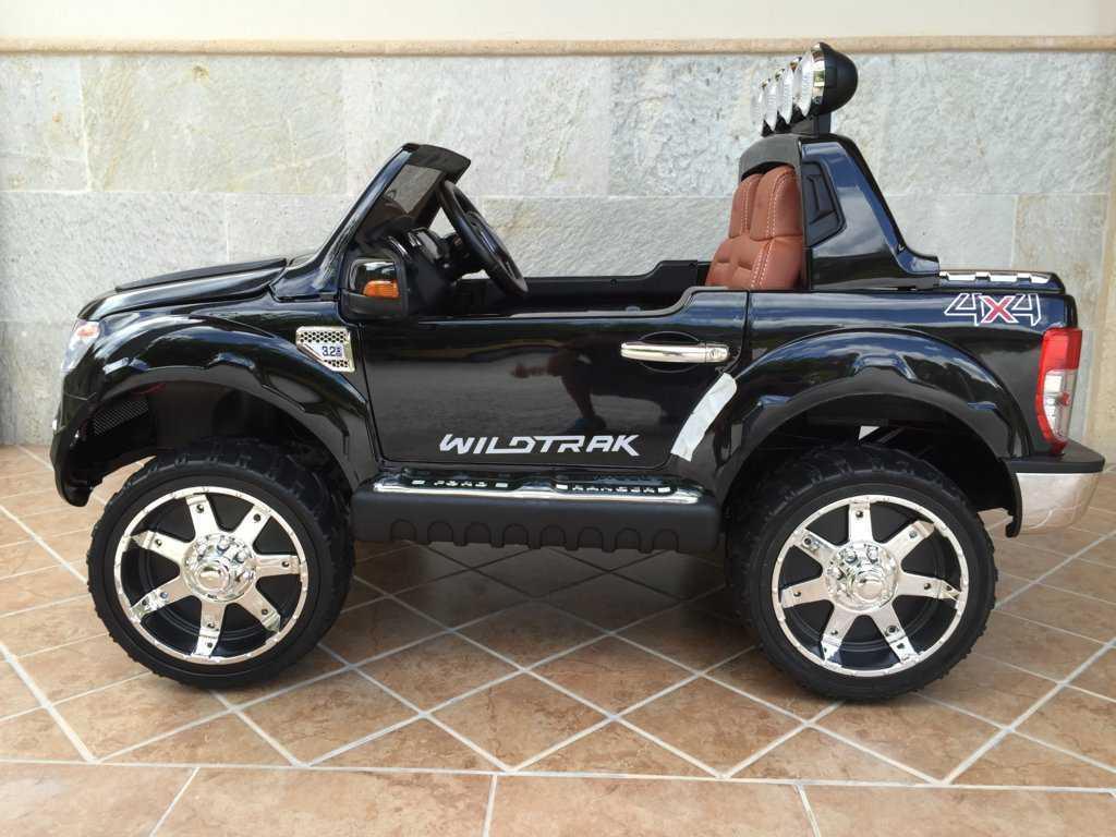 Todoterreno electrico infantil Ford Ranger Negro Metalizado salpicadero
