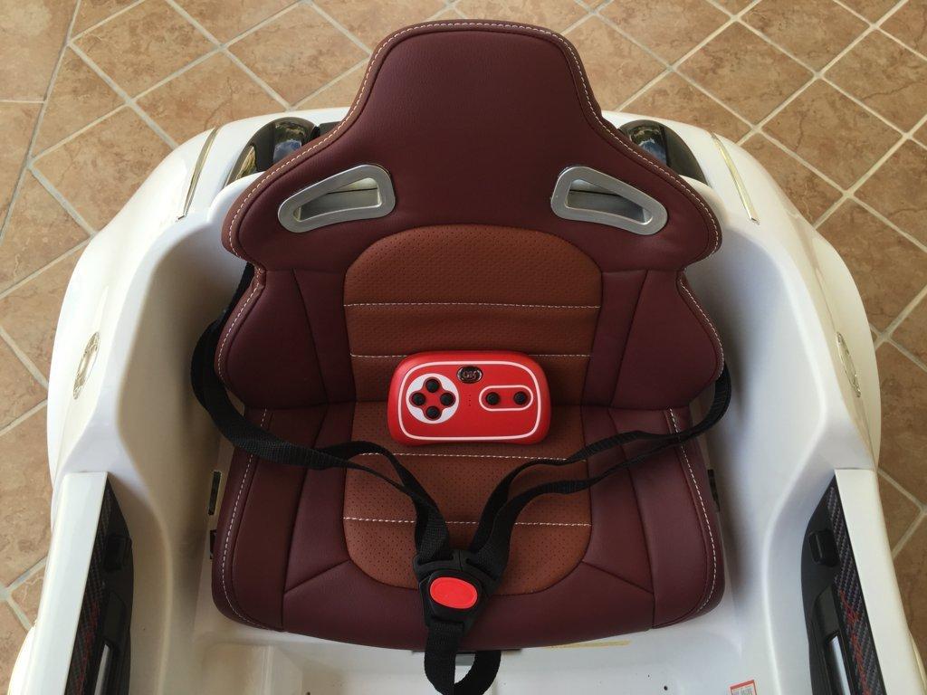 Coche electrico Infantil Bugatti Veyron Style Blanco con asiento acolchado en piel