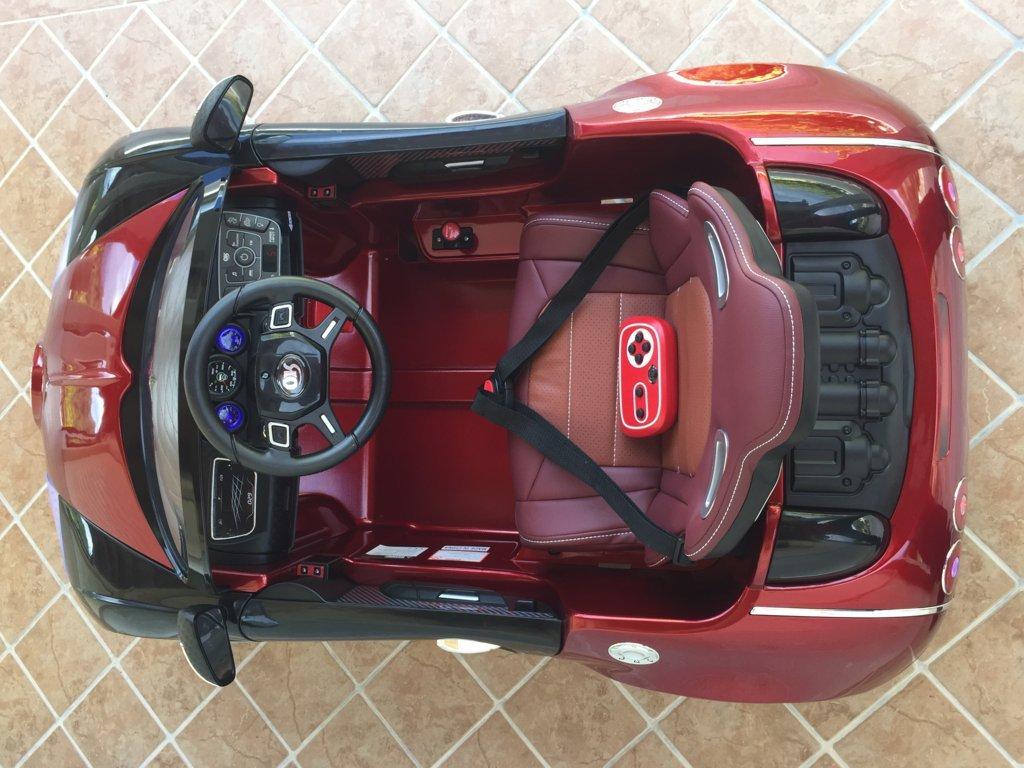 Coche electrico Infantil Bugatti Veyron Style Burdeos Metalizado detalles del interior