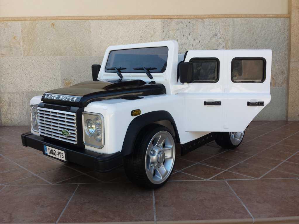 Todoterreno electrico para niños Land Rover Defender Blanco conexion MP3