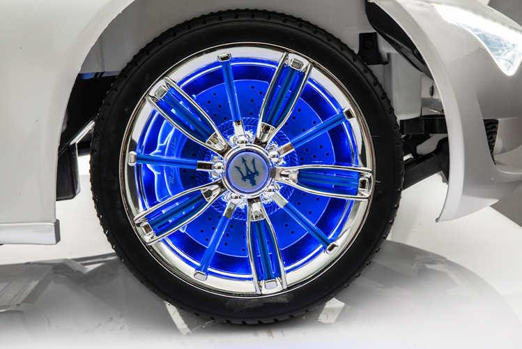 Coche electrico infantil Maserati Alfieri Blanco con Pantalla MP4 aereo