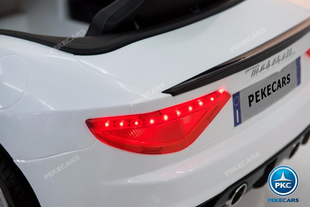 Coche electrico infantil Maserati Gran Turismo 12V Blanco luces traseras