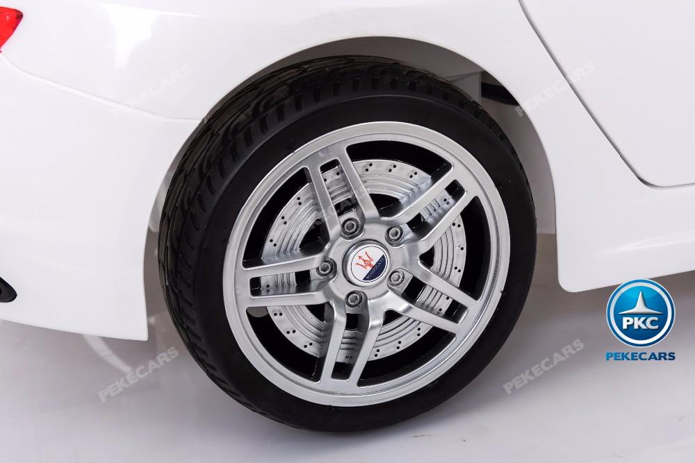 Coche electrico para niños Maserati Gran Turismo 12V Blanco ruedas de caucho antipinchazos
