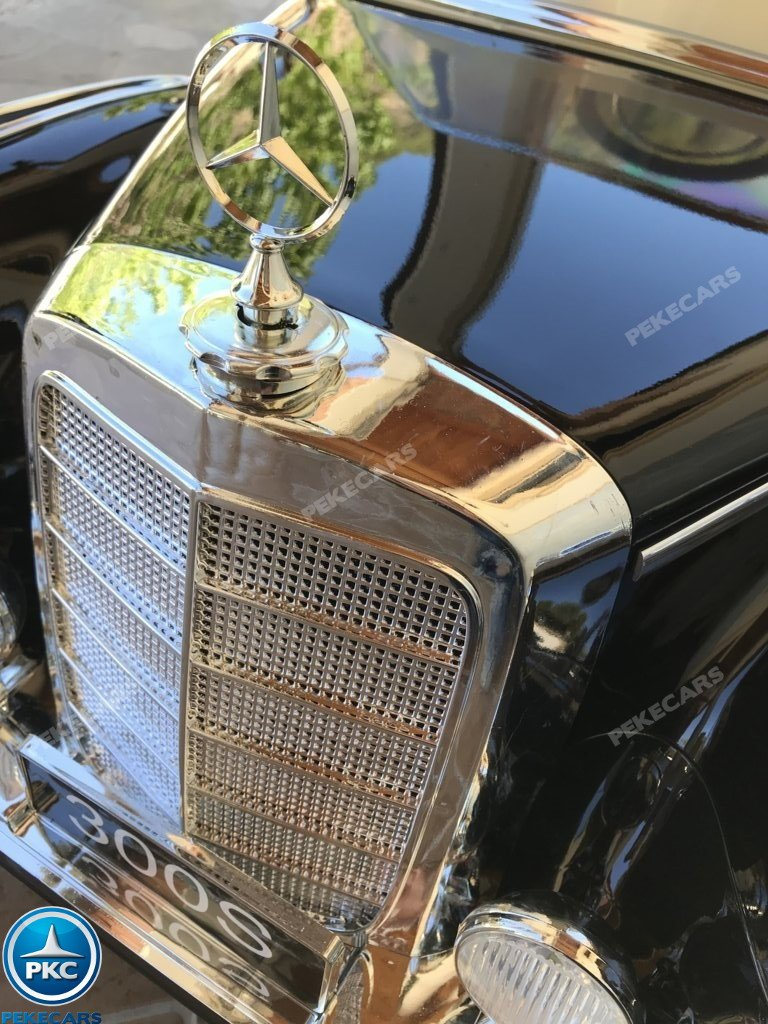 Coche electrico para niños Mercedes Benz 300S Negro detalles del capo