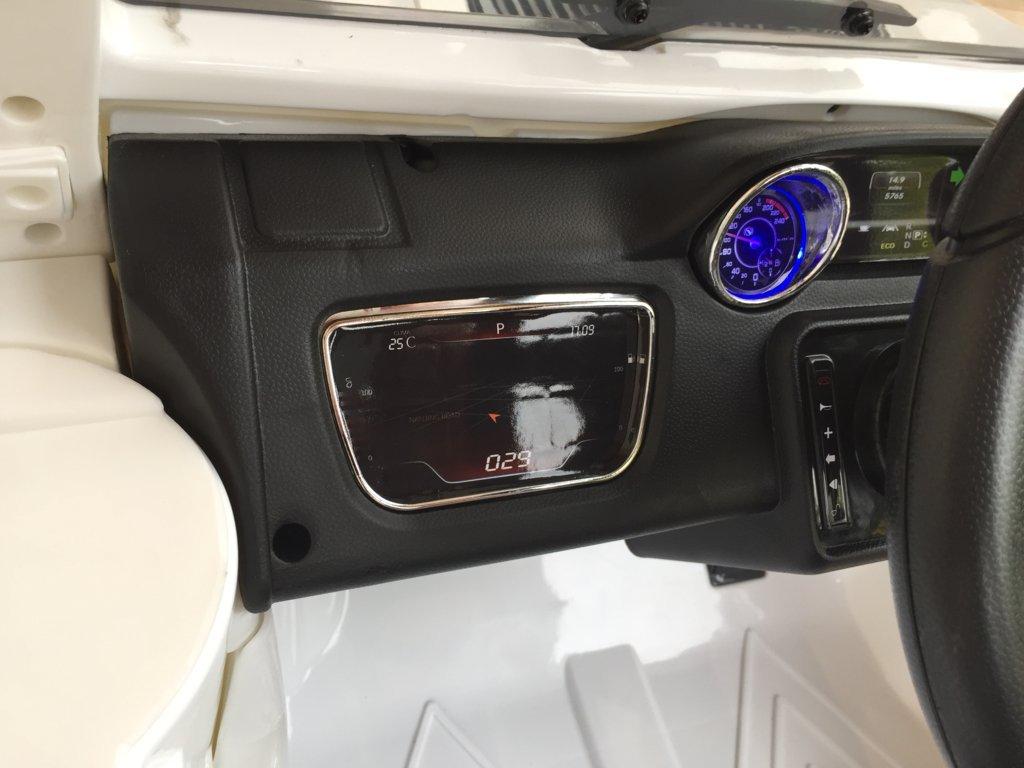 Todoterreno electrico para niños Mercedes G63 Blanco luces azules