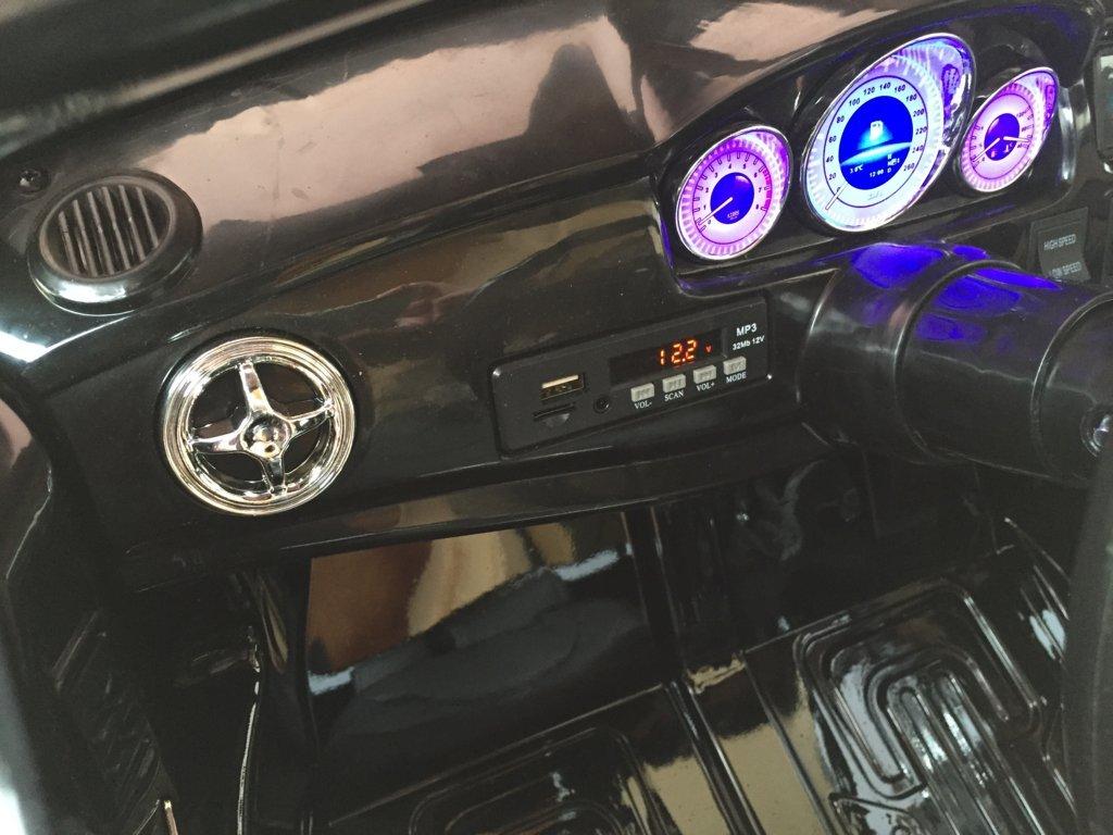 Coche electrico para niños Mercedes GLK-350 Negro Metalizado salpicadero