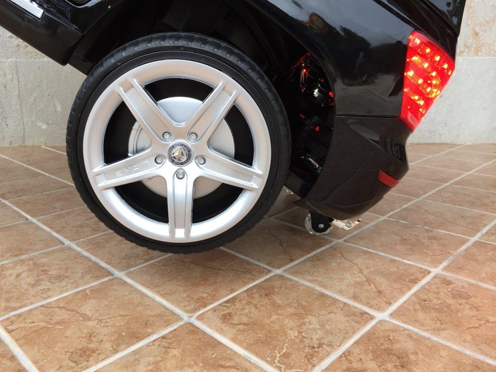 Coche electrico infantil Mercedes GLK-350 Negro Metalizado ruedines