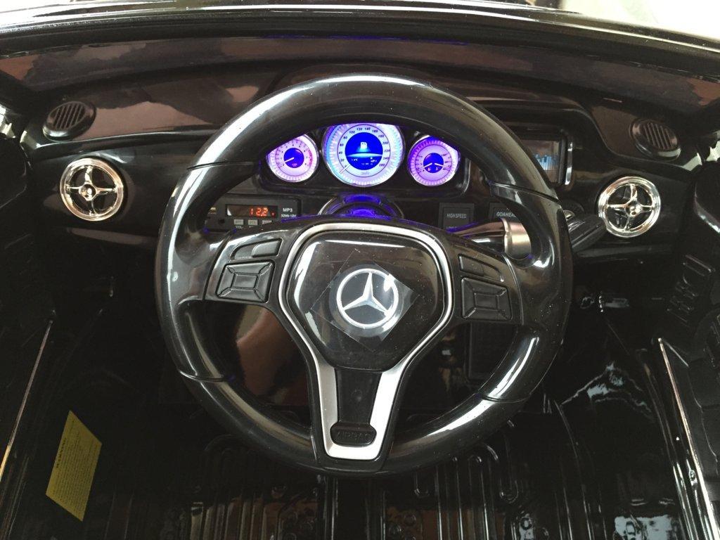 Coche electrico infantil Mercedes GLK-350 Negro Metalizado volante