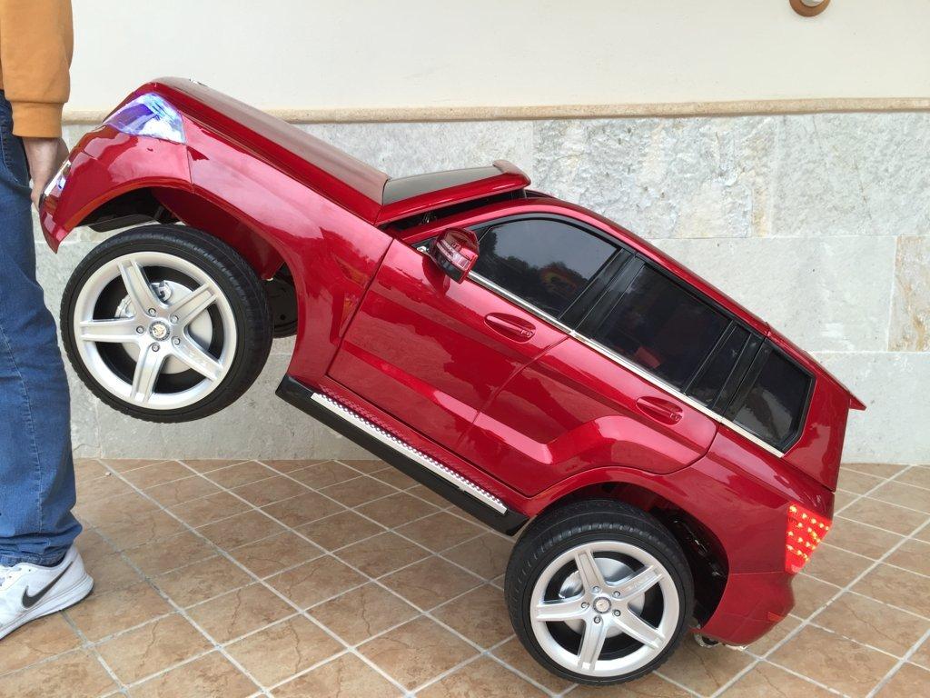 Coche electrico infantil Mercedes GLK-350 Rojo Metalizado asa de transporte