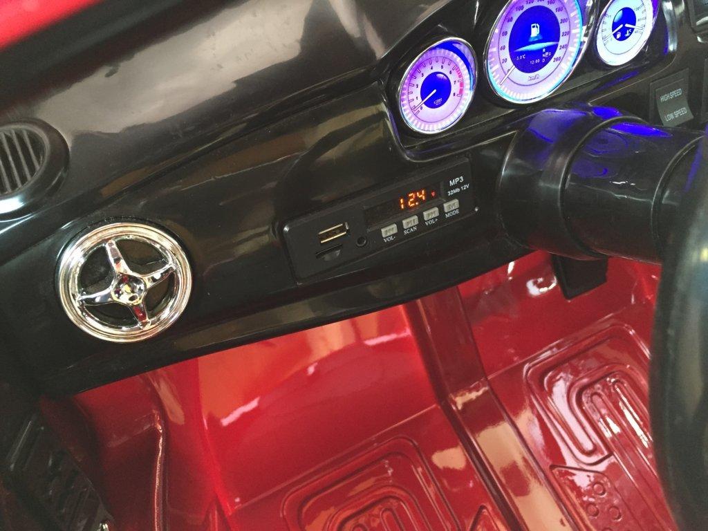 Coche electrico para niños Mercedes GLK-350 Rojo Metalizado salpicadero