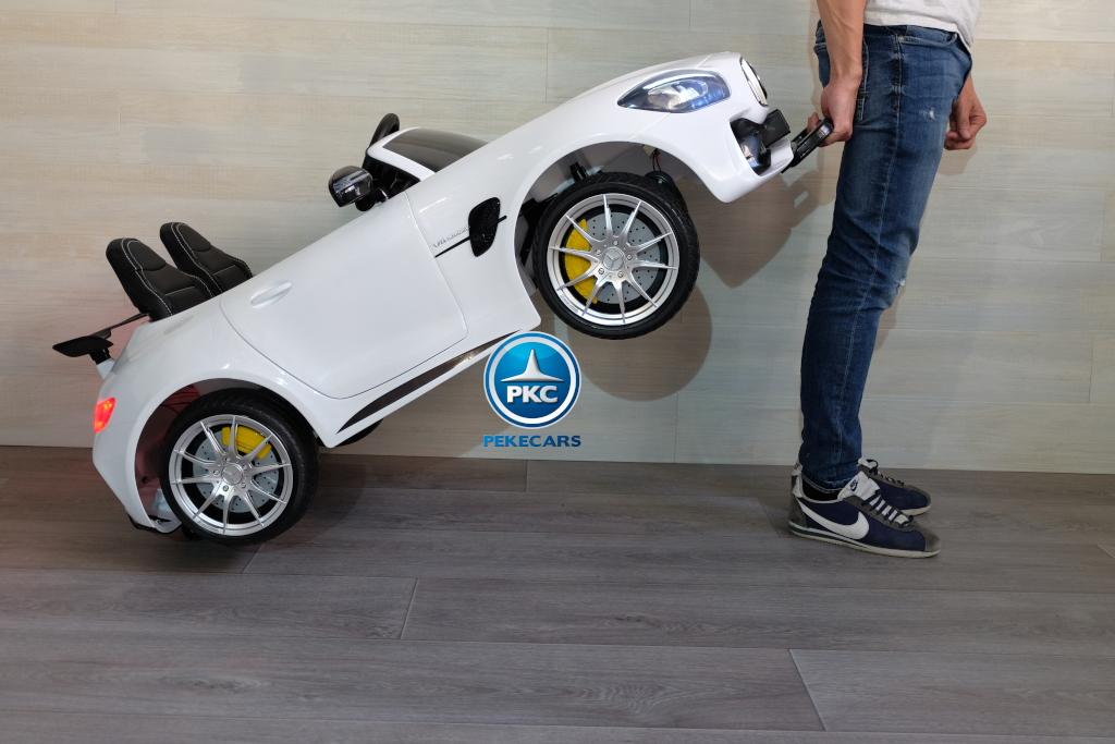 Coche electrico para niños Mercedes GTR 2 plazas Blanco con asa de transporte