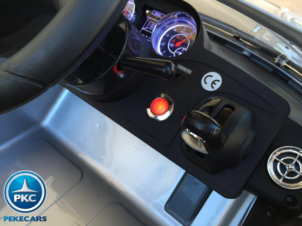 Coche electrico para niños Mercedes deportivo sls Plata Metalizado boton de arranque