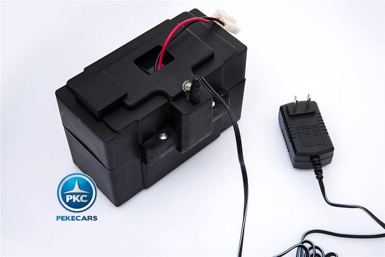 Coche electrico para niños Mercedes C63 Blanco bateria extraible