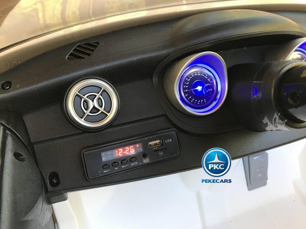 Coche electrico infantil mercedes a45 Blanco conexion USB