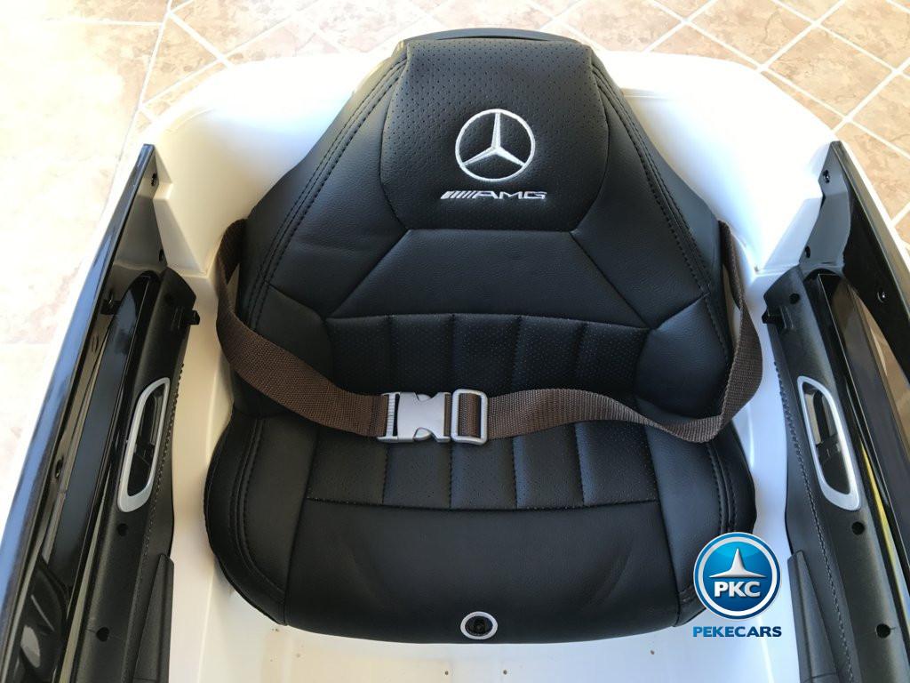 Coche electrico infantil mercedes a45 Blanco asiento acolchado