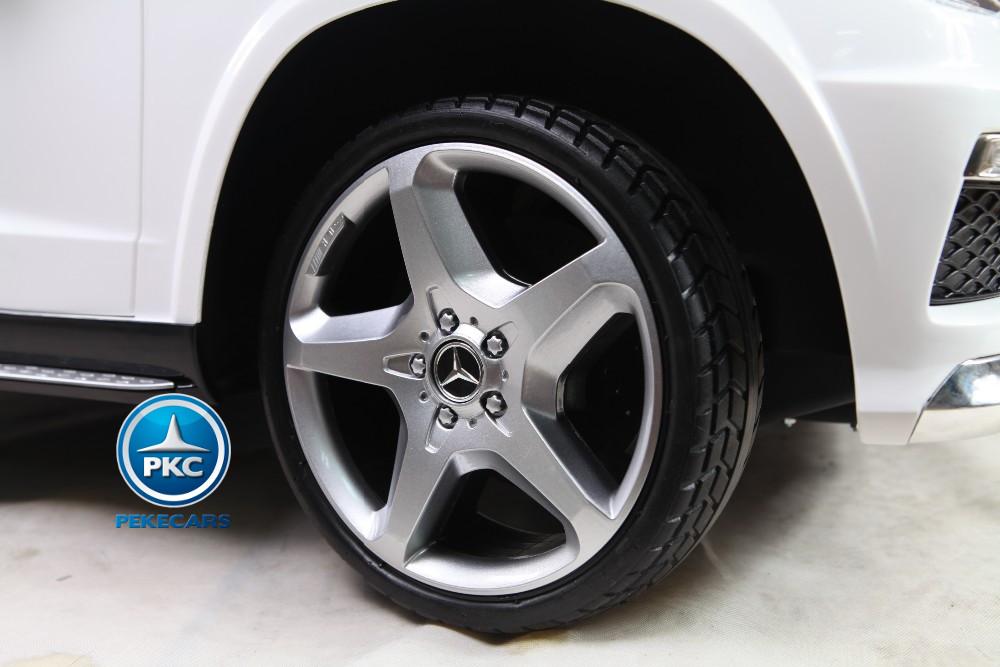 Coche electrico infantil Mercedes GL63 Version Superior Blanco ruedas de caucho antipinchazos