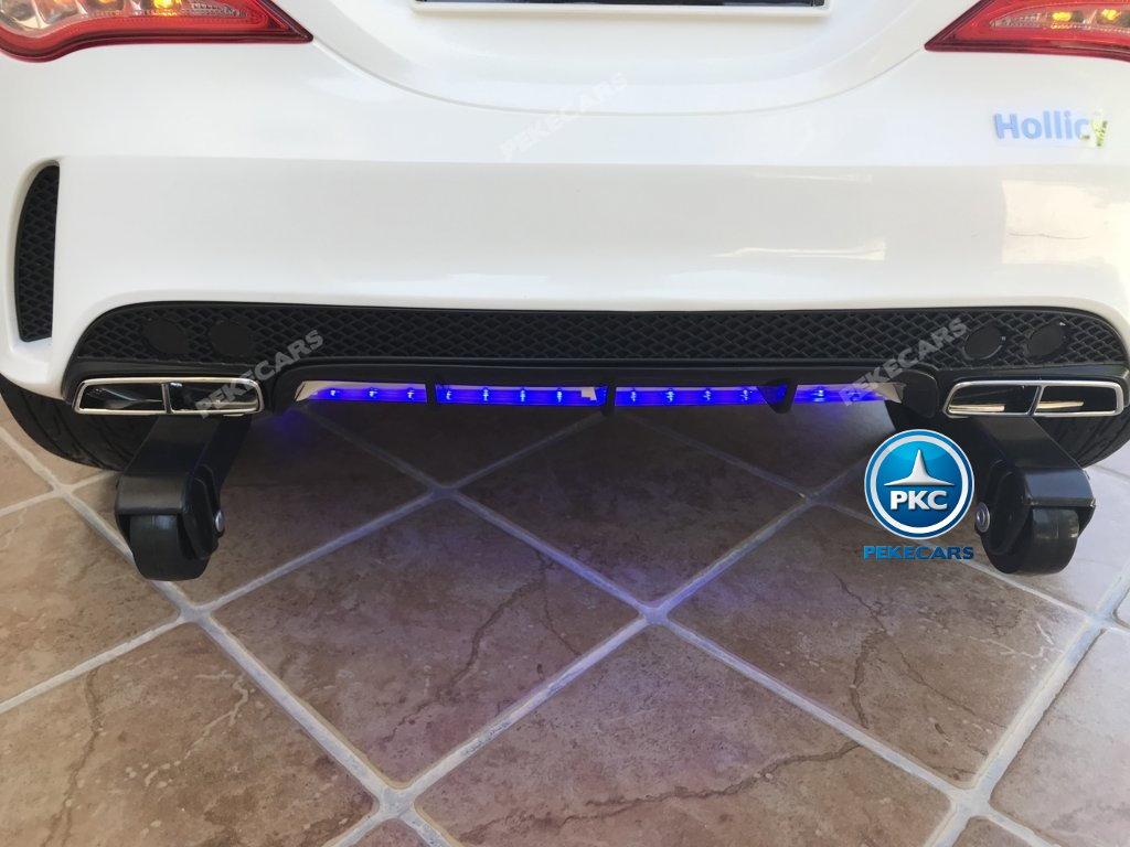 Coche electrico infantil Mercedes CLA45 Blanco ruedines traseros