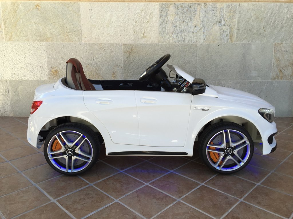 Coche electrico infantil Mercedes CLA45 Blanco