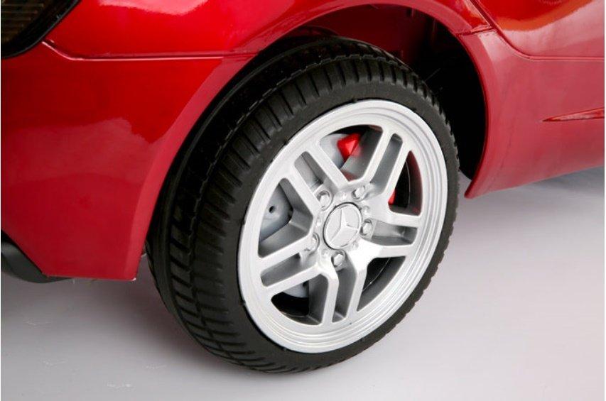 Ruedas de caucho de Mercedes Mc Laren SLR color rojo metalizado