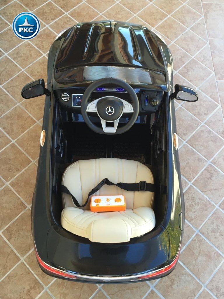 Coche electrico para niños Mercedes S63 Negro detalles del interior