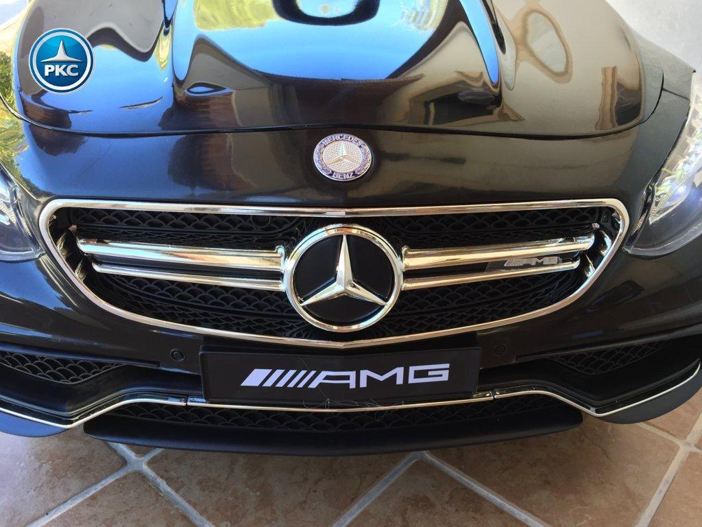 Coche electrico para niños Mercedes S63 Negro detalles de la parrilla delantera