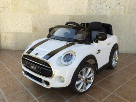 Mini hatch infantil blanco Pekecars