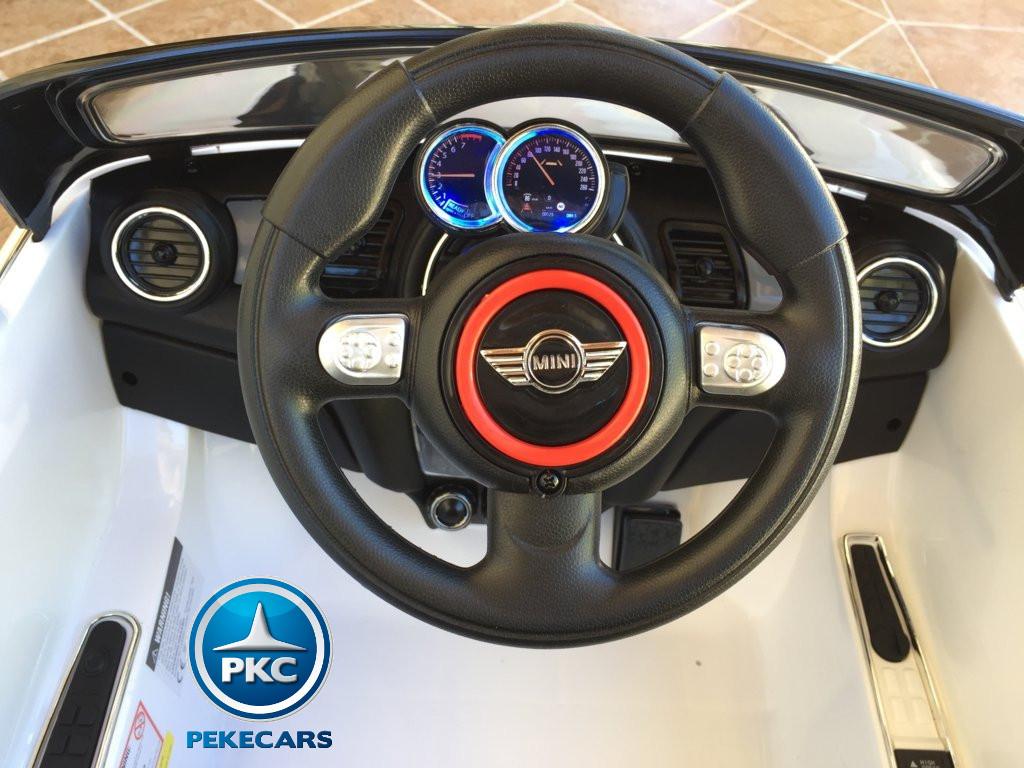 Coche electrico para niños Mini Hatch Blanco volante con claxon