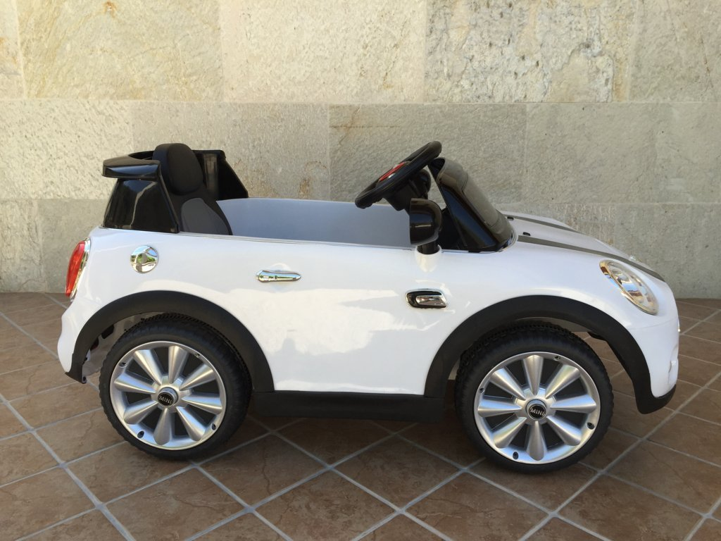 Coche electrico para niños Mini Hatch Blanco lateral