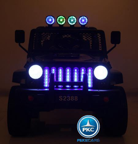 Monster Jeep 4x4 12V Negro luces pekecars