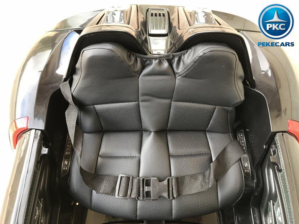 Coche electrico para niños Porsche style negro asiento acolchado en piel